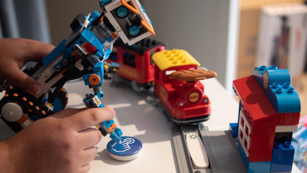 ROBOT BOOST LEGO DUPLO et Pusheeze